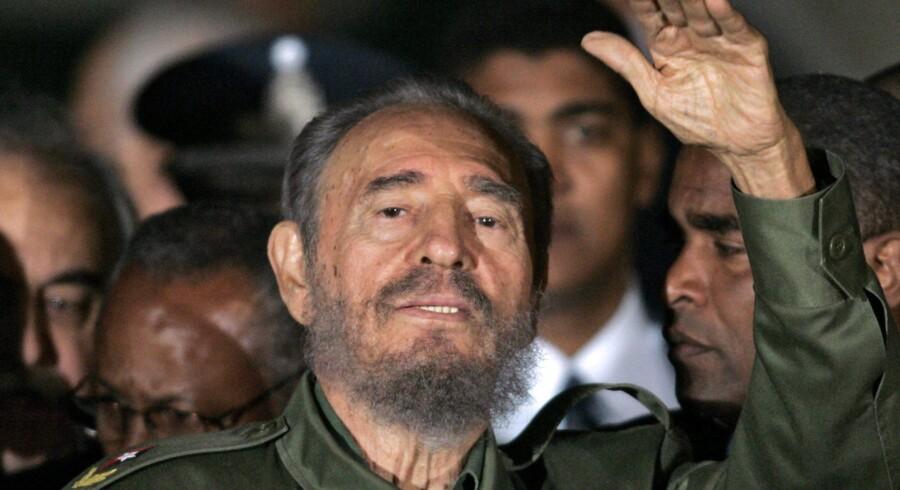 Cubas revolutionære ikon, Fidel Castro, døde fredag aften i Havana. Han blev 90 år. Cuba har erklæret ni dages landesorg. Scanpix/Juan Mabromata