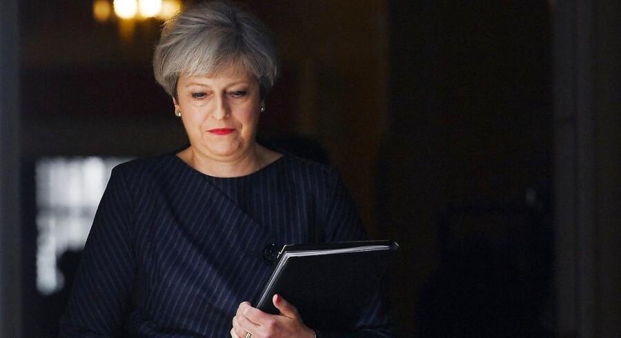 Den britiske premierminister, Theresa May, siger i en appel til det britiske parlaments medlemmer, at de bør stemme for et parlamentsvalg 8. juni, da det vil være det rigtige og det mest ansvarlige.