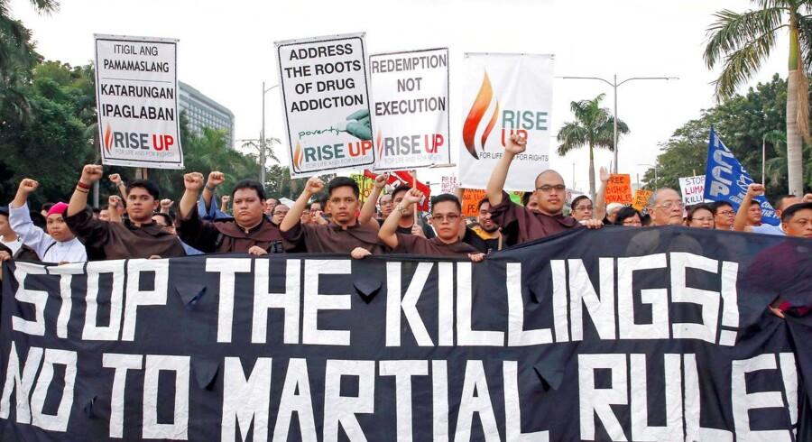 Filippinerne er ved at blive til en begravelsesplads, siger leder af demonstration mod præsident Duterte.