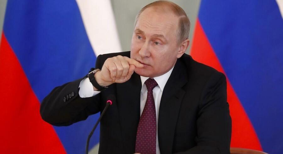 Det russiske udenrigsministerium meddeler lørdag, at det udviser 23 britiske diplomater.