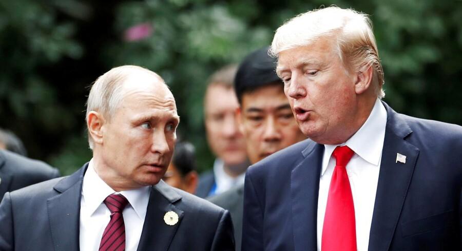 Donald Trump har Vladimir Putin har aldirg haft en egentligt topmøde med hinanden. De har kun mødt hinanden ved internationale konferencer som her ved APEC topmøde i Danang, Vietnam November 11, 2017. REUTERS/Jorge Silva/File Photo