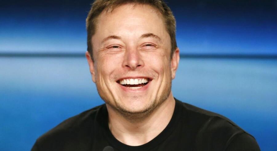 En glad Elon Muskr