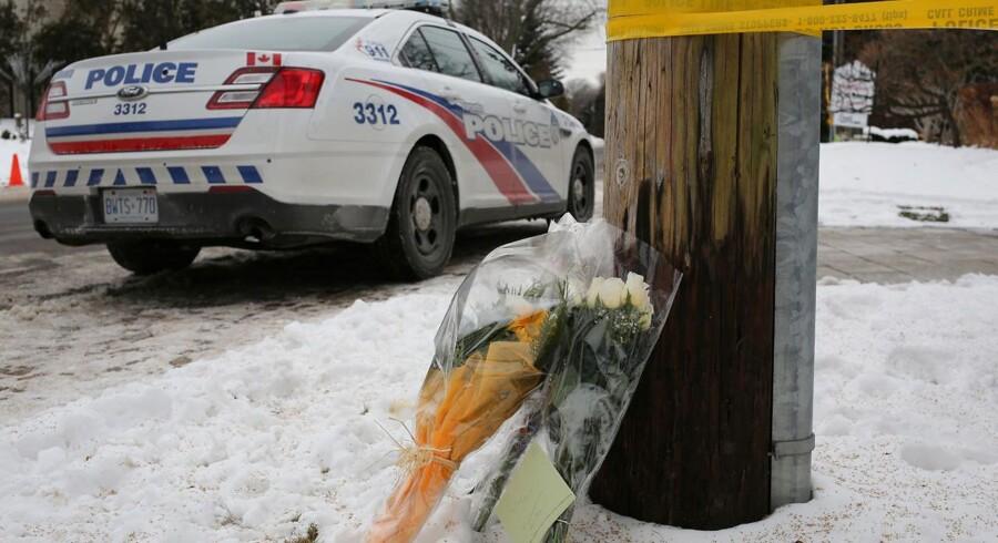 Ligsyn fastslår, at Barry og Honey Sherman, som fredag blev fundet døde i deres hjem i Toronto, blev kvalt.