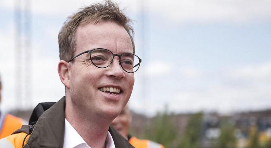 »Ved at fratage Esben Lunde Larsen fiskeriet, men lade ham beholde miljø- og fødevareområdet, har statsministeren måttet indgå et kompromis.«