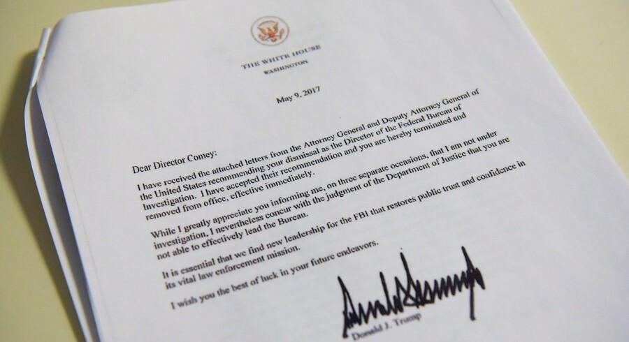 En kopi af afskedigelsesbrevet fra præsident Donald Trump til FBI-chef James Comey.