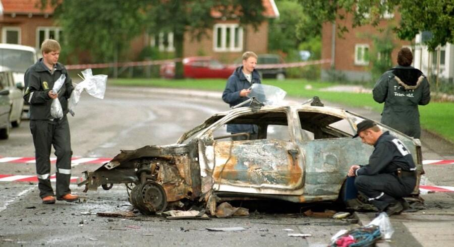 Den store nordiske rockerkrig eller blot rockerkrigen var en endog meget voldsom konflikt med flere drab og mordforsøg fra 1994 til 1997. Krigen stod mellem Hells Angels og Bandidos, men mindre grupperinger var også involveret. Konflikten stoppede bl.a. takket være en mægling foretaget af forsvarsadvokat Thorkild Høyer. Billedet stammer fra en bilbombesprængning i 1996 ved Hells Angels' klubhus i Roskilde, hvor vinduer så langt som 200 meter fra sprængningen blev knust.