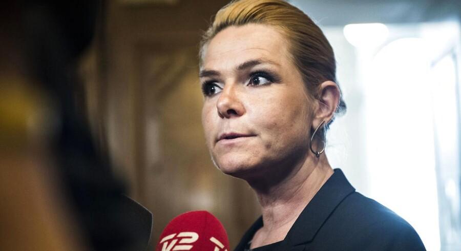 Inger Støjberg har sikkert indført sin instruks for at tækkes en folkestemning, men det går altså ikke at bryde loven, mener tidl. V-medlem Tommy Beck Kobberøe, som nu har meldt sig ud af partiet.
