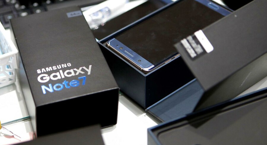 Galaxy Note 7-telefonerne blev først hjemkaldt for at få skiftet batteri. Siden trak Samsung dem helt tilbage, hvilket har kostet koncernen en milliardregning af de store. Arkivfoto: Kim Hong-ji, Reuters/Scanpix