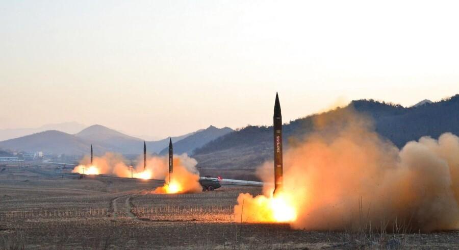 Ifølge Sydkorea har naboen mod nord endnu en gang udført en våbentest. Tilsyneladende af et ballistisk missil (arkivfoto)