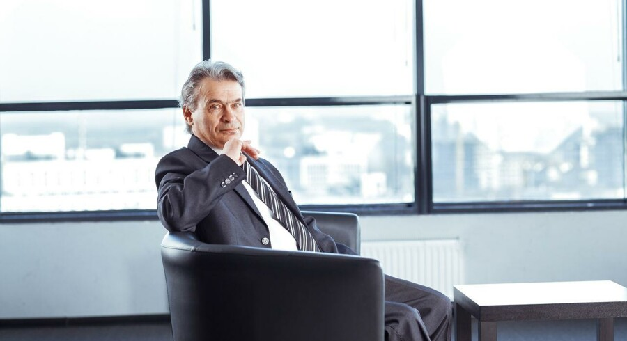 Selvom chefernes lønstigninger let kan føre til misundelse på en arbejdsplads, skal øvrige medarbejdere faktisk glæde sig. For ledernes lønstigninger er et varsel om generelle lønstigninger på det private arbejdsmarked.