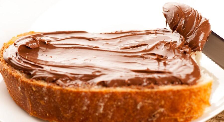 Chokoladesmør på brød.