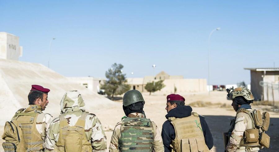 Regeringen vil sende landstyrker i kamp mod IS. Fredag vil regeringen bede om politisk accept til at sende specialstyrker til grænsen mellem Irak og Syrien.Arkivfoto.