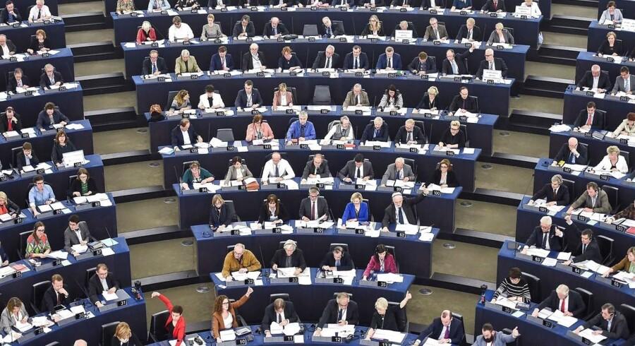 EU-Parlamentet mener, at der er sket tilstrækkelige fremskridt til, at forhandlinger om brexit kan gå videre til fase to, der handler om fremtidens forhold.
