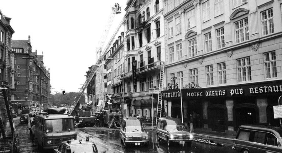 Arkivfoto: Efter en voldsom brand i Hotel Hafnia i Vester Voldgade i København blev det i 1974 påkrævet alle hoteller at opdatere de brandtekniske installationer. Men det betyder altså, at brandsikkerheden mange steder er over 40 år gammel.