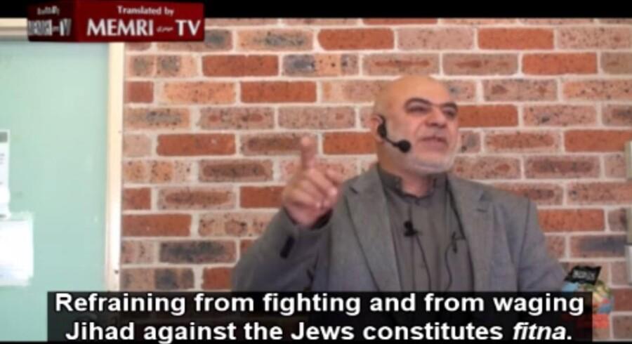 Hizb ut-Tahrir-prædikanten Ismail al-Wahwah talte dunder mod jøder og Israel under en fredagsbøn i sit hjemland Australien i juli 2015. Hans prædiken blev oversat af Middle East Media Research Institute (MEMRI).