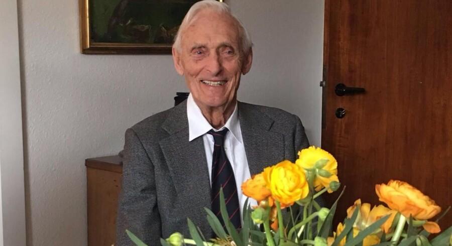 Helge Hjortdal havde sin faste gang på Christiansborg fra 1954 til 1994. Her var han direktør for Folketinget og sekretær for hele tre statsministre. Free/Privatfoto