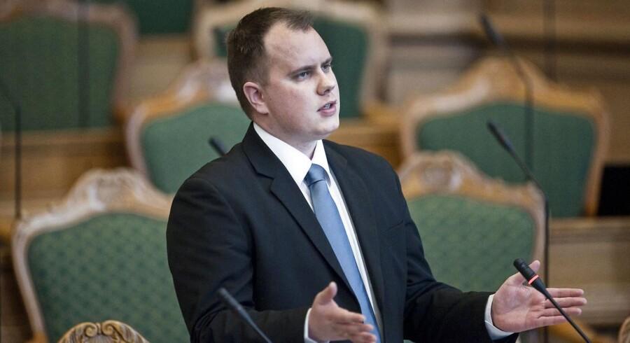 ARKIVFOTO: Udlændingeordfører fra Dansk Folkeparti, Martin Henriksen, er en del af det politiske flertal, som står bag de seneste stramninger af forholdene for personer på tålt ophold. Han er ikke tilfreds med udviklingen.