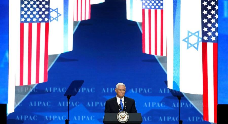 Den amerikanske vicepræsident Mike Pence taler til AIPAC (American Israel Public Affairs Committee), en amerikansk-israelsk politisk konference. Washington, USA, 26. marts, 2017. Reuters.