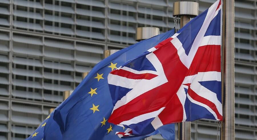 EU bruger tidspresset som et middel til at klemme flere penge ud af Storbritannien på vejen ud af samarbejdet. REUTERS/Francois Lenoir