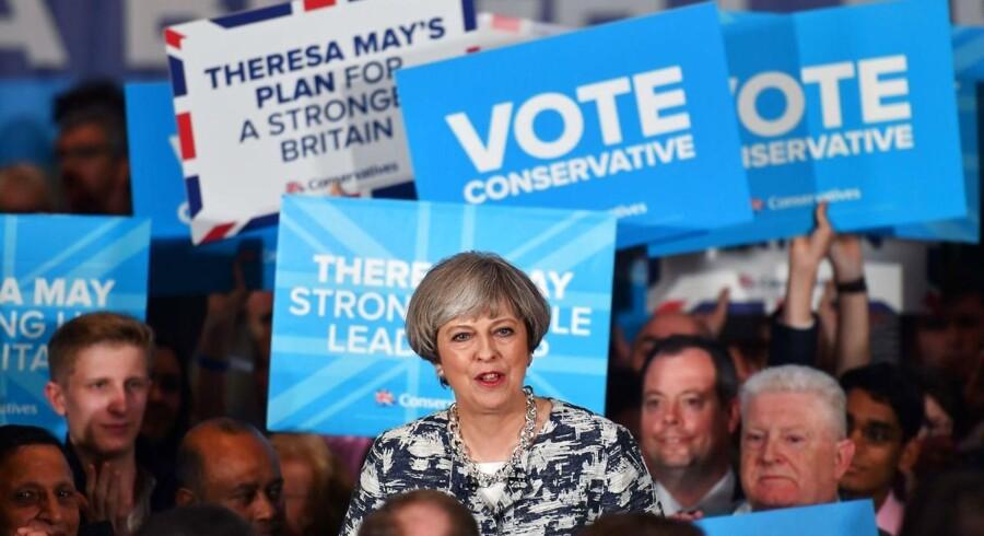 Det britiske valg, der er i fuld gang torsdag, ventes ikke at få den store betydning for de finansielle markeder på kort sigt. Det vurderer Mikael Olai Milhøj, senioranalytiker i Danske Bank.