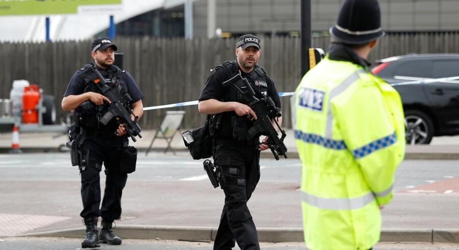 BBC erfarer, at bomben, som Salman Abedi detonerede i Manchester Arena, var fremstillet af andre.