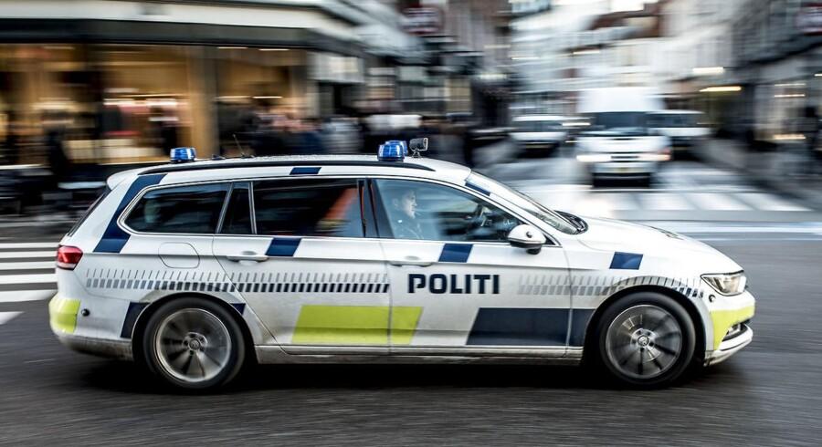 Flere adresser blev ransaget i Aarhus og Kolding, og politiet beslaglagde to millioner kroner samt en personbil. Desuden fandt man 14 kilo hash.