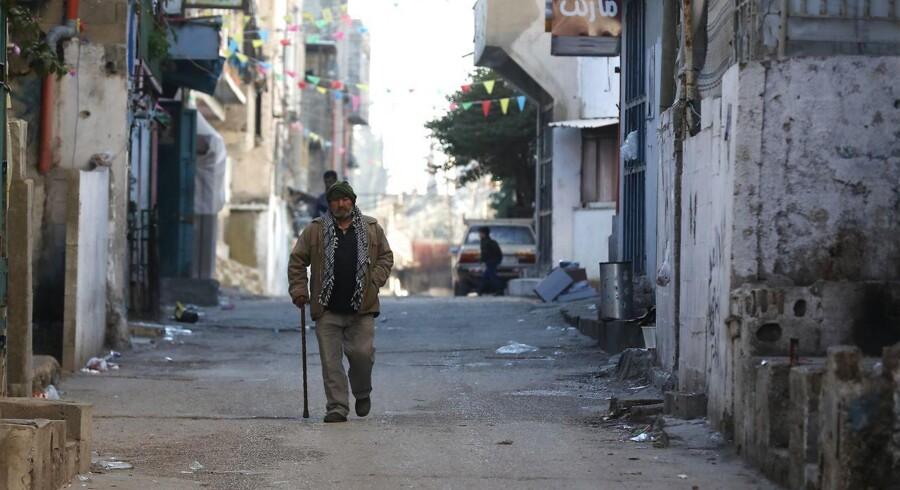 En palæstinenser i Balata-flygtningelejren tæt ved Nablus på Vestbreden.