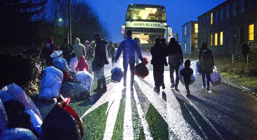 27 barnebrude på danske asylcentre skal flyttes væk fra deres ægtefæller - også selvom de har børn sammen