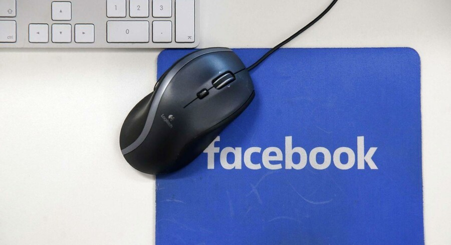 Facebook vil afslutte et eksperiment, der fjernede professionelles nyhedsopdateringer fra brugers forside i seks lande.