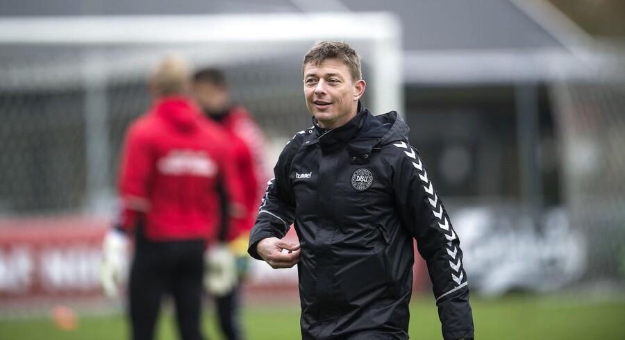 Jon Dahl Tomasson vurderer, at dansk kvalifikation til VM vil styrke hans drøm om at blive cheftræner igen.
