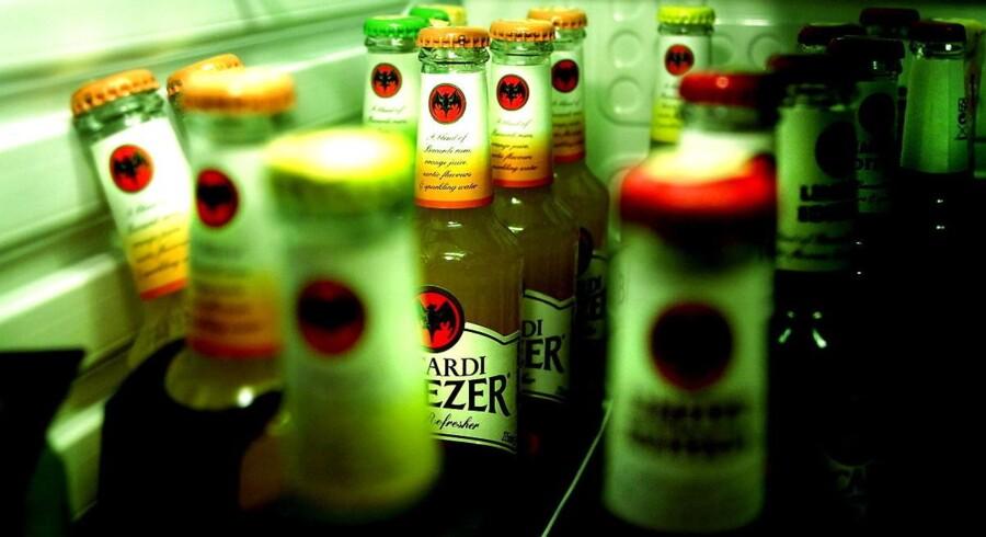 Arkivfoto: Politikere prioriterer ifølge Lægeforeningen handel over sundhed, når man fjerner afgift på alkoholsodavand.