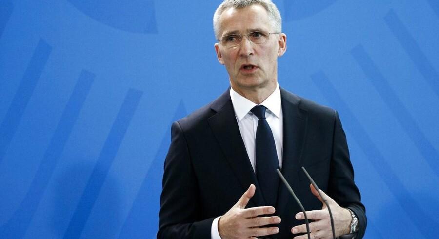 Dagen før topmøde med Trump diskuterer Nato stadig, om alliancen skal gå med i koalition mod Islamisk Stat.