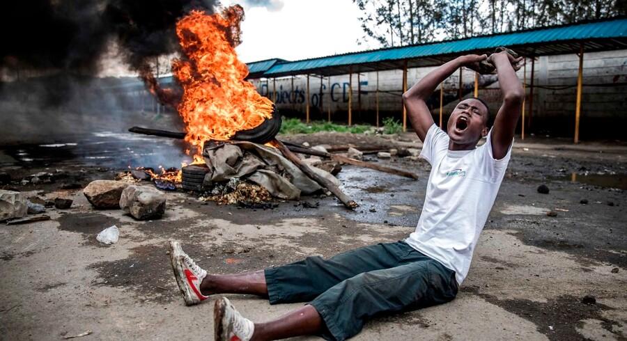 Flere steder har det ifølge AFP ikke været muligt at åbne valgsteder i Nairobi på grund af uroligheder ved dagens præsidentvalg 26. oktober 2017. Ved første valg, d. 8. august, blev den siddende præsident, Uhuru Kenyatta, udråbt som vinder. Men efterfølgende annullerede landets højesteret resultatet og henviste til talrige mangler under valghandlingen og den efterfølgende optælling.