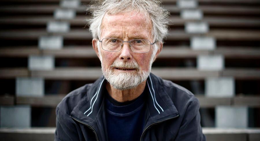 Børneforsker Per Schultz Jørgensen på gåtur i Farum Midtpunkt bl.a. med den nye legeplads.