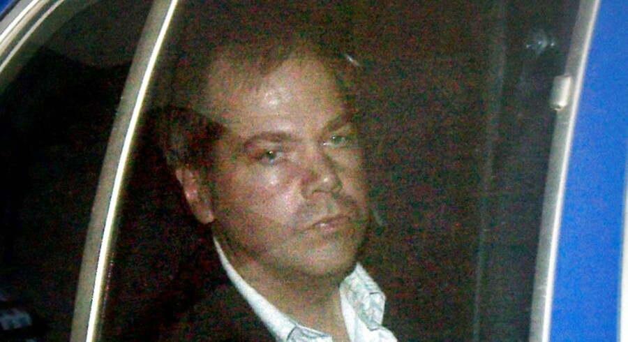Arkivfoto af John Hinckley, da han ankom til en retssag i 2003.