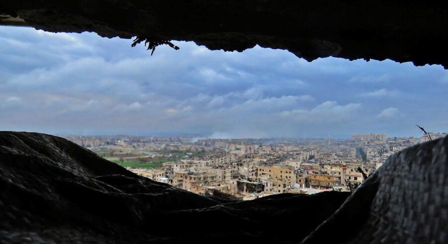 Røg i det fjerne i Aleppo.