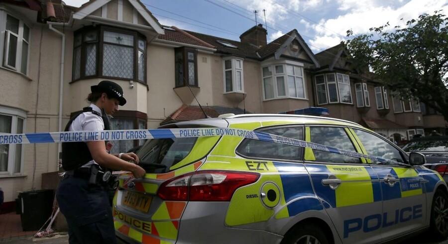 Siden angrebet i London i weekenden har der været adskillige politiaktioner rundt omkring i byen. Blandt andet flere ransagninger og anholdelser i Ilford-bydelen, som her fra 6. juni.