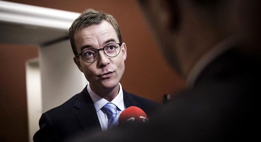 Arkivfoto: Miljø- og fødevareminister Esben Lunde Larsen (V) er kommet under hårdt politisk pres i sagen om fiskekvoter.