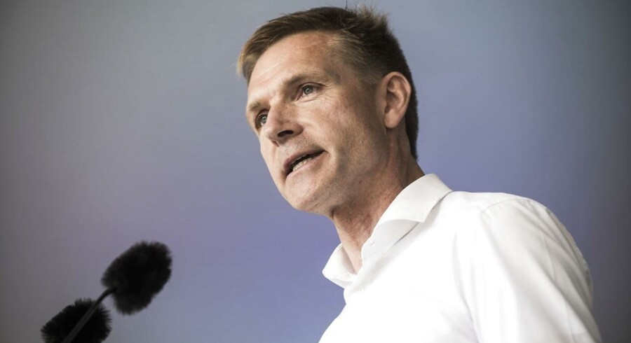 Arkivfoto: Dansk Folkepartis formand, Kristian Thulesen Dahl, går nu hårdt i rette med regeringens forslag om at sænke afgiften for alle biler til 100 procent.