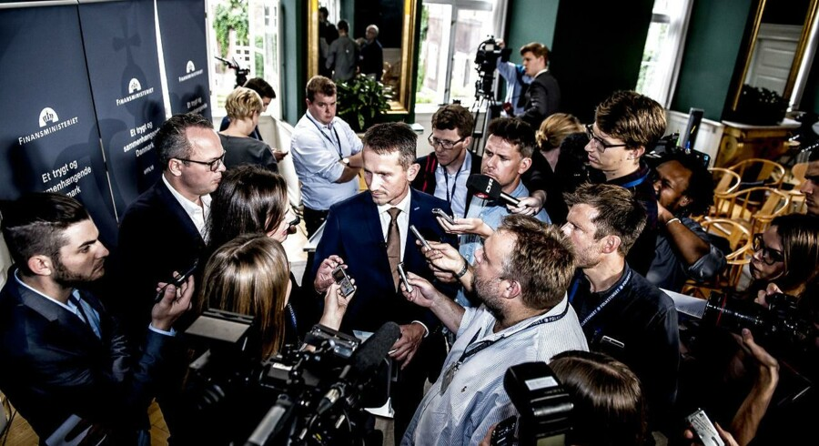 Da finansminister Kristian Jensen (V) præsenterede regeringens udspil til finansloven for 2018, undlod han at give svar på, præcis hvordan regeringen vil finde finansieringen til en væsentlig del af de bebudede skattelettelser.