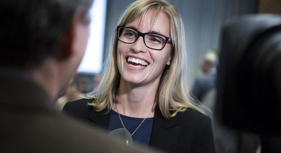 Danske Regioners nye formand, Venstre-kvinden Stephanie Lose, vil ikke lade sig påvirke af de blå parties kritik af regionerne.