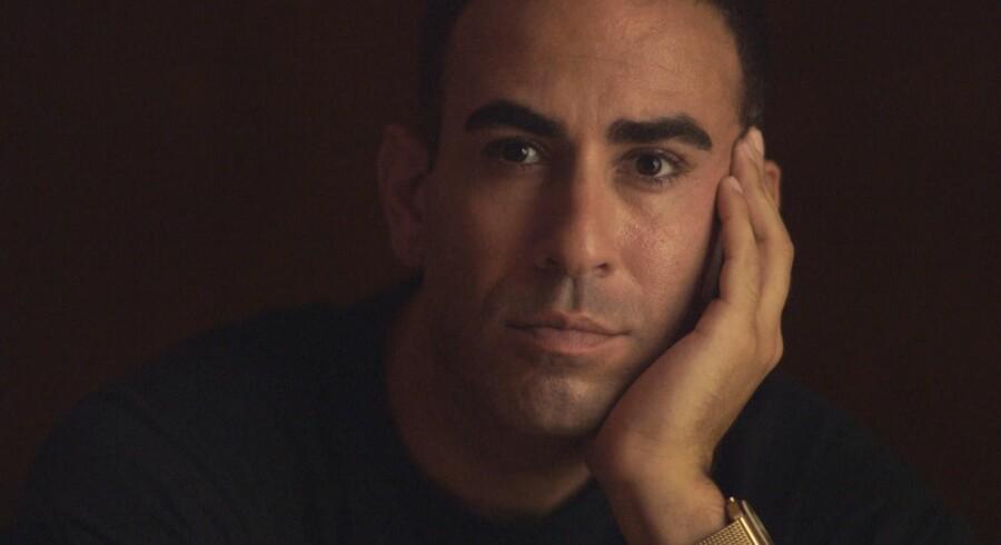 TV-journasliten Abdel Aziz Mahmoud måtte gennem tre dages forhør i Libanon, inden han fik sit pas tilbage.