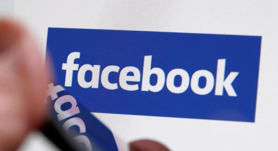 Facebook, Twitter, YouTube og Microsoft går nu sammen i et fælles forsøg på at rydde deres platforme for terrorrelateret indhold. REUTERS/Regis Duvignau/File Photo