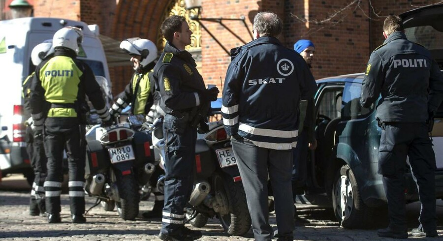 Et kriminelt netværk bestående af primært rumænere havde lokket fattige landsmænd til Danmark. Netværket gav dem en identitet, og efterfølgende blev disse identiteter brugt som rambuk til økonomisk bedrageri for et tocifret millionbeløb.