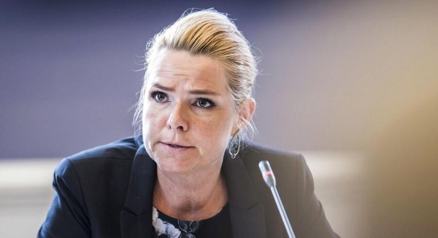 Fredag var Inger Støjberg i et godt to timer langt samråd, som i sidste ende førte til, at hun blev indkaldt til et nyt. Få overblikket i sagen med fem centrale spørgsmål.
