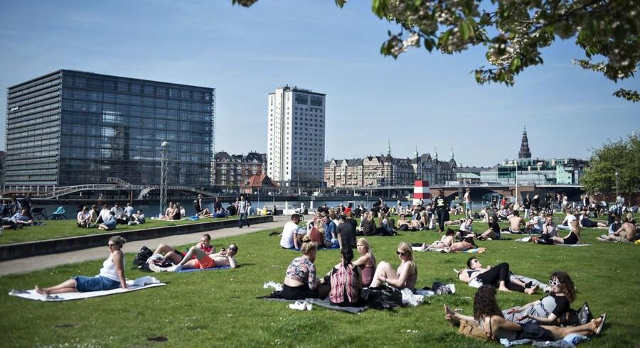 Arkivfoto. 64-årige Kirsten Pedersen forstår godt, at den procentvise stigning i antallet af københavnere, der føler sig utrygge, er steget mest på Vestamager, som havnebadet på Islands Brygge er en del af.