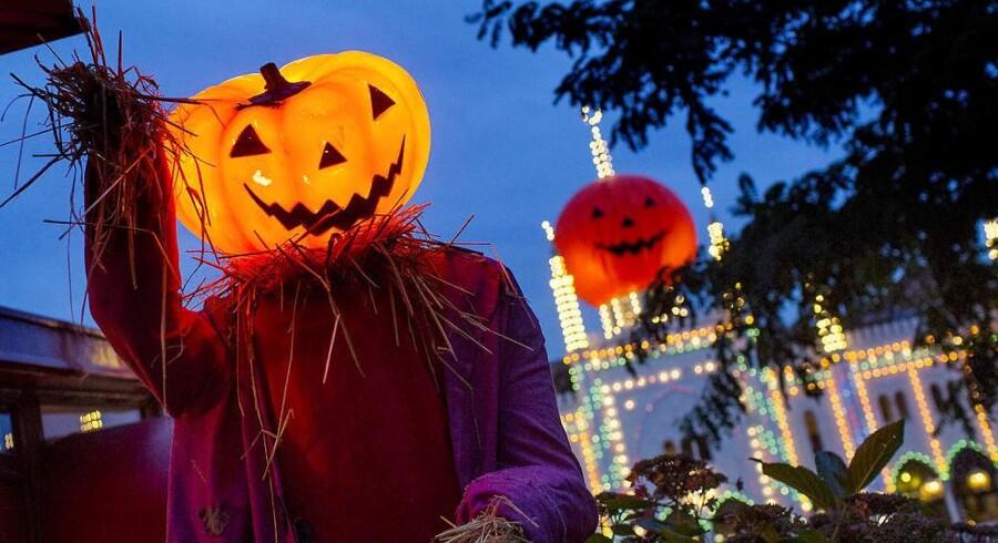 Der er gået græskar og halloween i den i Danmark. Billedet er fra Tivolis årlige halloweenfest. Den amerikanske skik finder også vej til den danske folkekirke, hvor den i dag fylder alt for meget ifølge en sognepræst.
