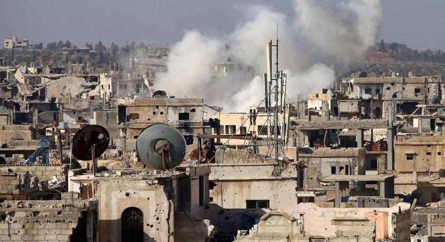 Arkivfoto. Overvågningsgruppe melder over 30 personer dræbt efter angreb på skole i det nordlige Syrien.