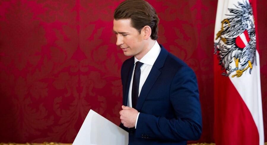 Regeringen ledes af den kun 31-årige konservative kansler, Sebastian Kurz, og vicekansler Heinz-Christian Strache fra Frihedspartiet, FPÖ.