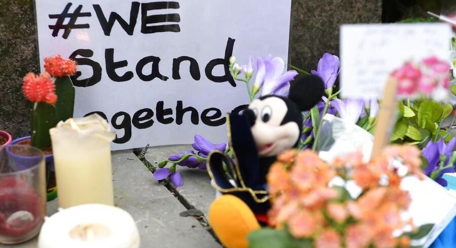 Mange sympatitilkendegivelser har fundet vej i Manchster efter terrorangrebet. Foto: andy Rain